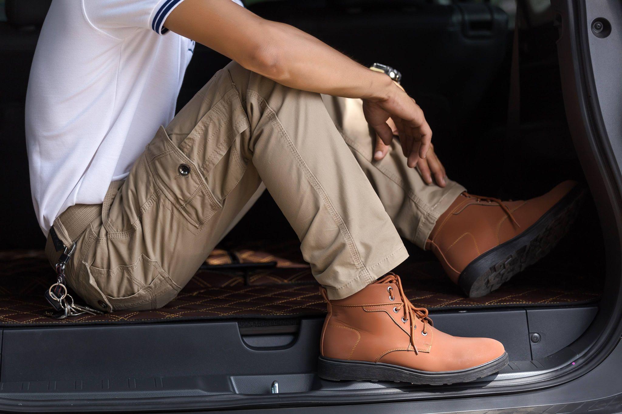Pantalon cargo : les erreurs et les règles pour le porter en 2021